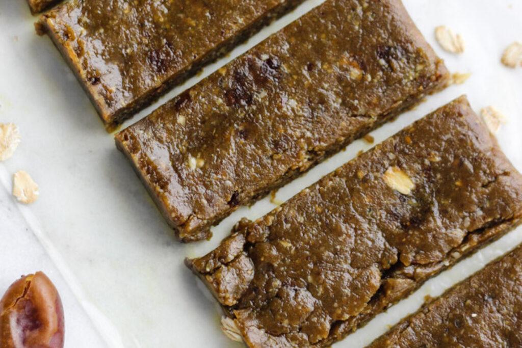 Simple peanut butter matcha energy bars