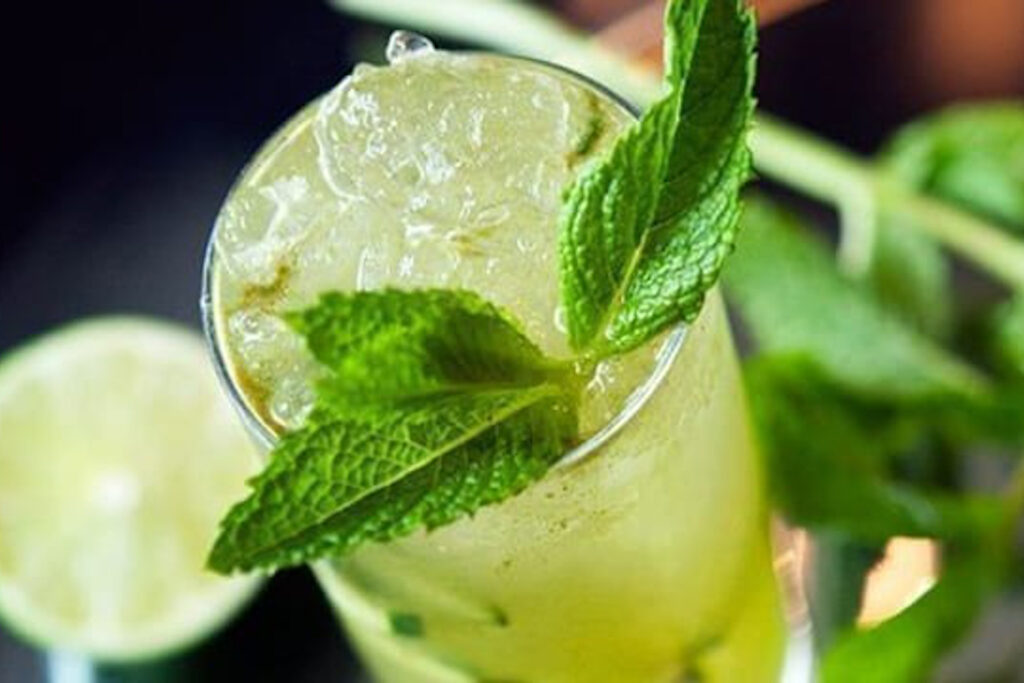 Green tea champagne cocktail