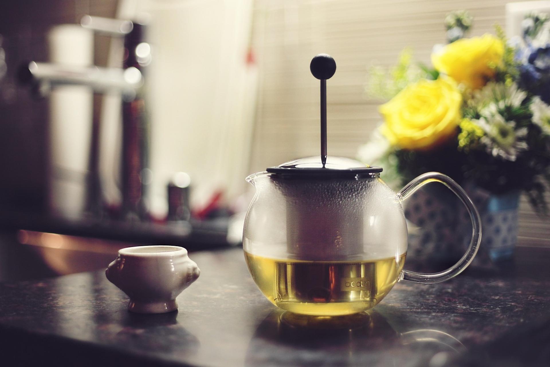 Green tea in teapot