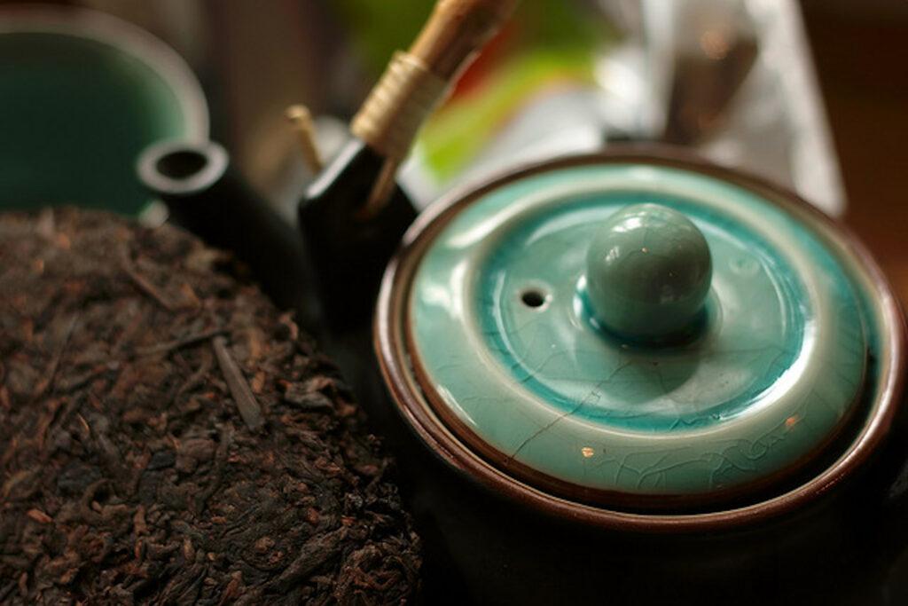 Pu-erh tea in a pot