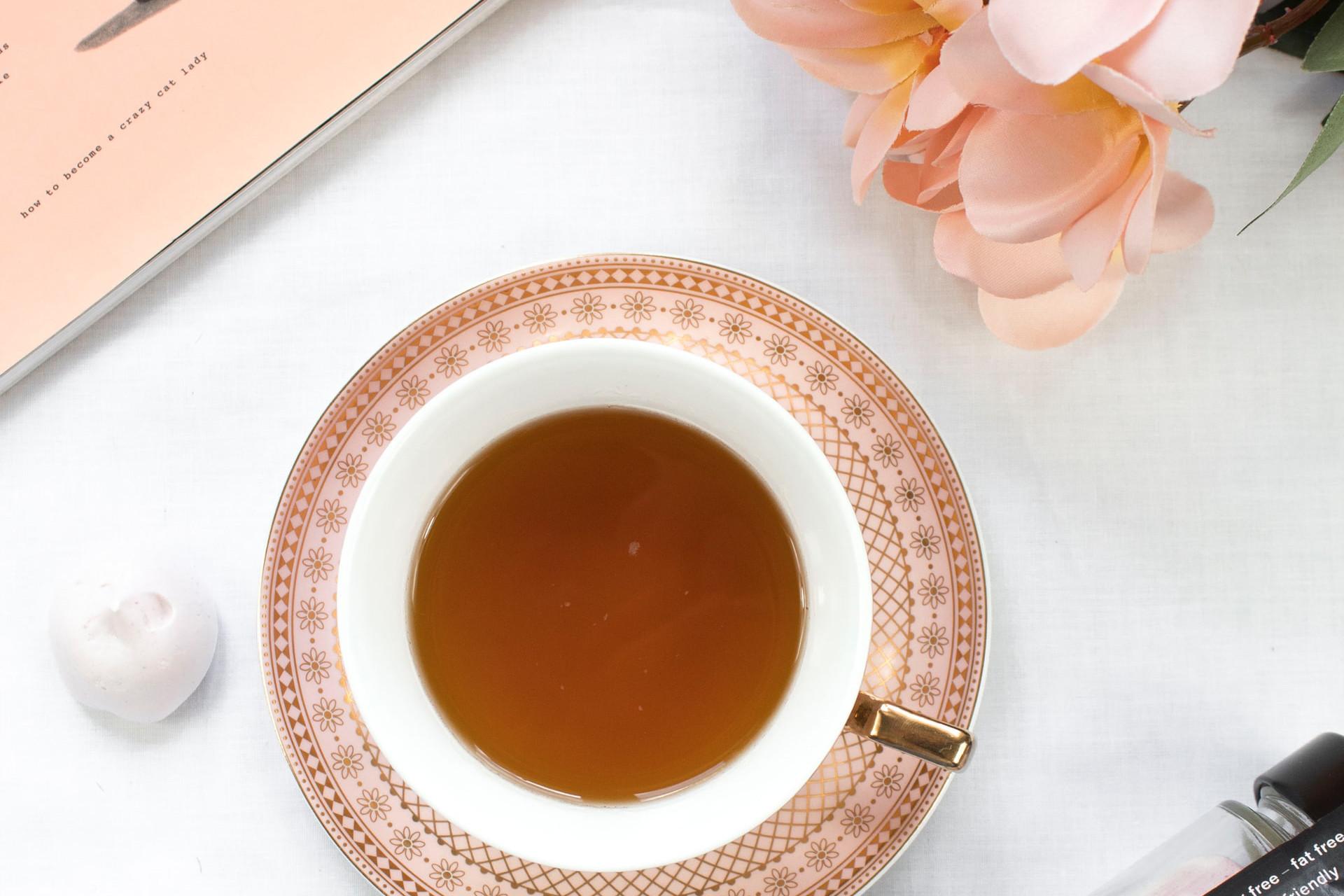 Tea set with flower